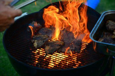 Come scegliere un barbecue: tipologie e consigli